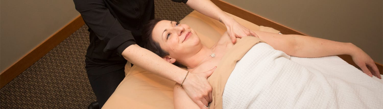 You feel great after a massage, right? But what about keeping that great feel. Adhere to these 4 ways to maintain your feel after the massage.